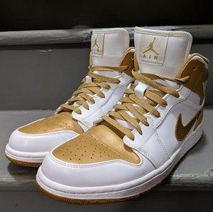 Air Jordan 1 Phat White Metallic Gold 9.5/10 Used